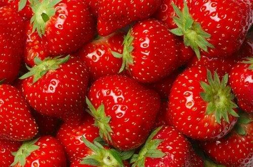 Liberarsi del fegato grasso con le fragole