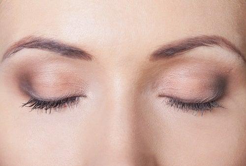 movimento degli occhi mentre si dorme