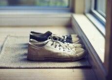 le scarpe sullo zerbino