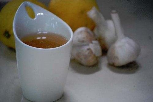 Tè all'aglio