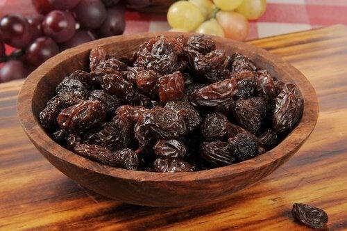 Acqua di uva passa per disintossicare il fegato
