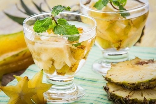 Bere acqua di ananas a digiuno: perché fa bene?