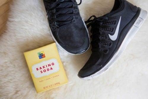 Bicarbonato nelle scarpe