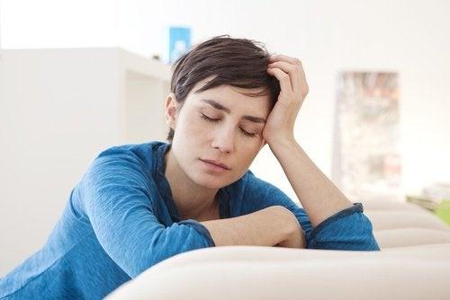 benefici del melograno che combatte l'anemia