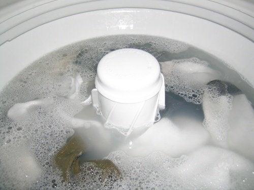 acqua ossigenata e ammoniaca lavatrice