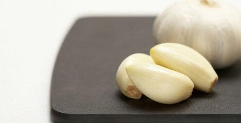 Spicchi d'aglio per le tonsille infiamamte