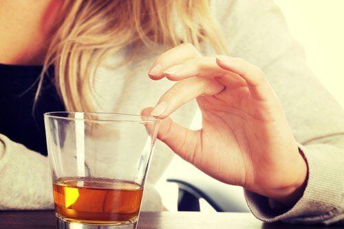 bevanda alcolica provoca apnea del sonno