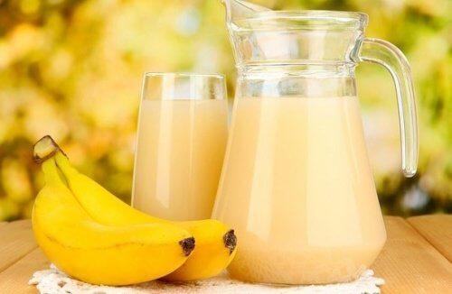 Frullato di banana e patate per trattare le ulcere gastriche