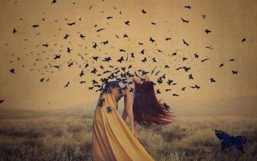 Donna con farfalle