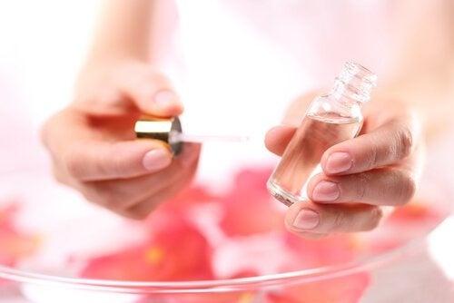 olio-essenziale-rosa