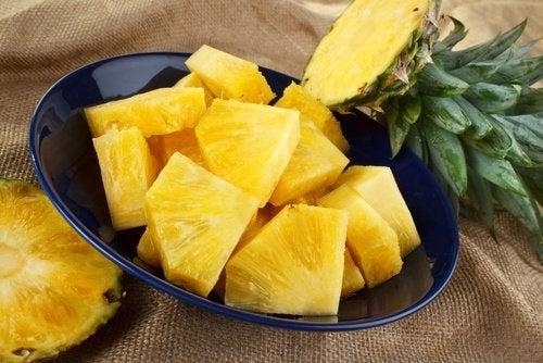 Ananas per le ginocchia