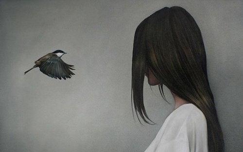 Donna con uccellino