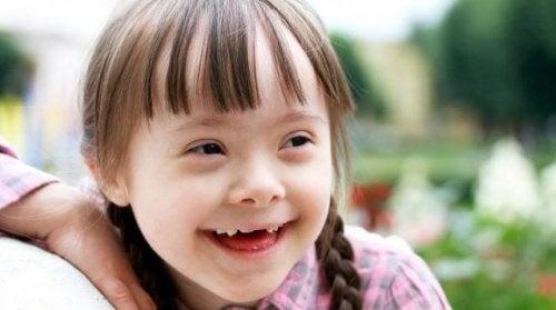 bambina down sorridente