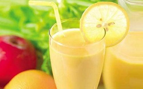come bere il frullato di erbe per perdere peso