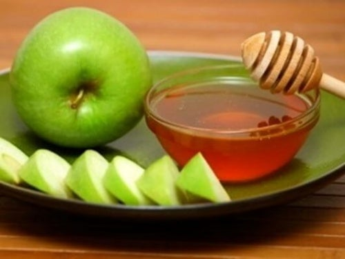 Frullato mela verde e miele prendersi cura dei polmoni