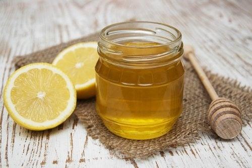Limone-e-miele Lisciare i capelli
