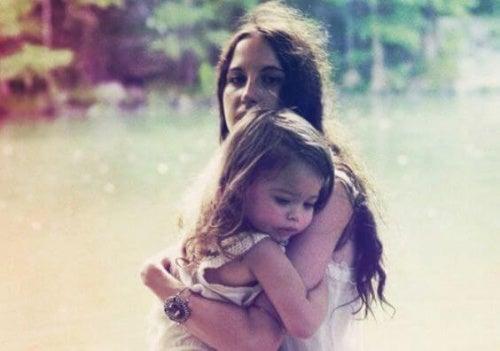 Madre e figlia ipereducazione