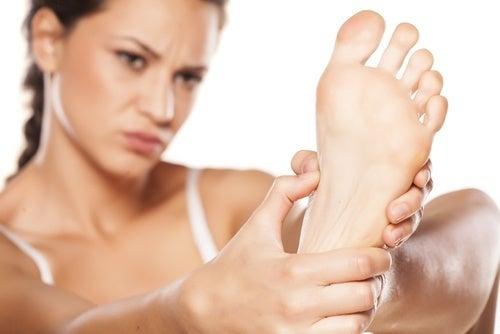 Male ai piedi dolore fisico