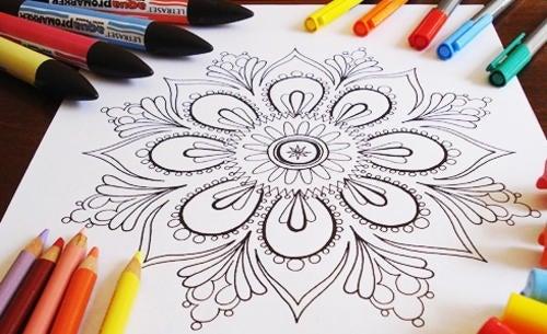 mandala da colorare e pennarelli
