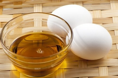 Maschera con uovo, olio e miele