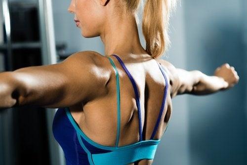 Riscaldamento e flessibilità braccia flaccide