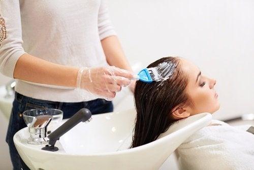 Tintura per capelli dentifricio
