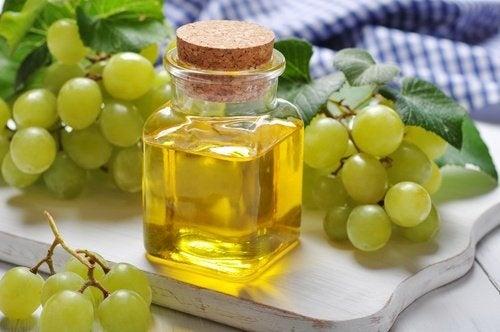 Trattamento a base di uva e vitamina E Zampe di gallina