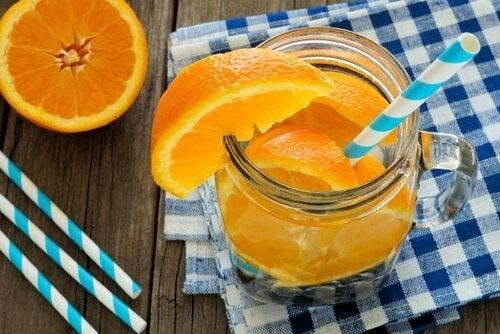 acqua con arance frullato disintossicante
