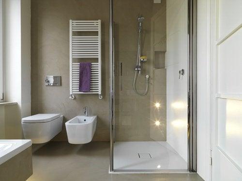 13 idee interessanti per arredare un bagno piccolo   vivere più sani