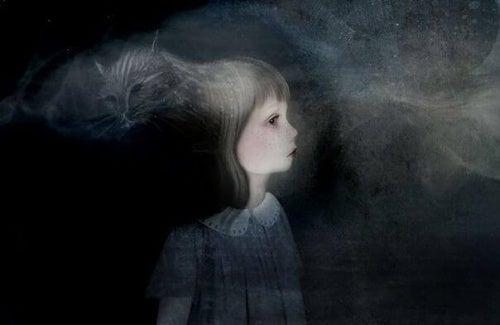 bambina nell'oscurità con un dubbio
