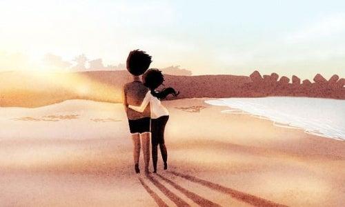 piccoli gesti di coppia in spiaggia