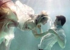 coppia-sotto-acqua