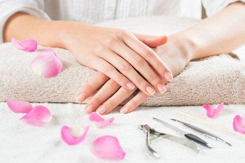 corretta cura per unghie fragili