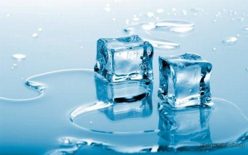 Il ghiaccio è ottimo per curare la spina calcaneare