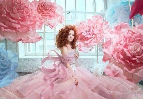 donna con rose