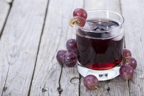 Frullato all'uva per migliorare la circolazione delle gambe