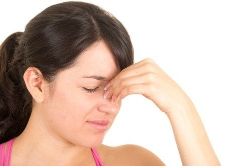 Sinusite acuta e cronica: consigli e rimedi naturali