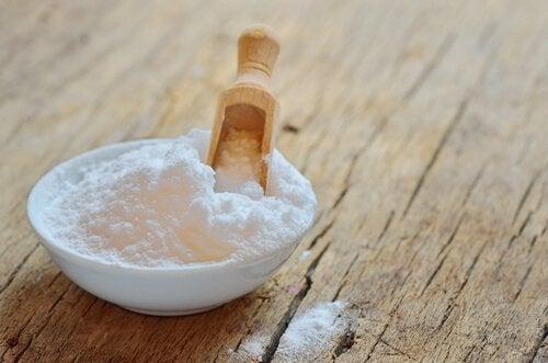 Bicarbonato di sodio per decorare le vostre unghie