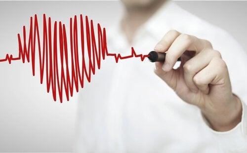 cuore con pennarello malattie cardiache