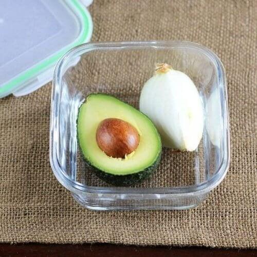 Avocado e cipolla