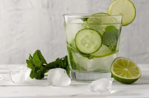 Acqua al cetriolo: benefici che forse non conoscete