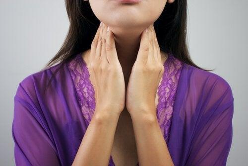 Il doppio mento: 8 esercizi per ridurlo