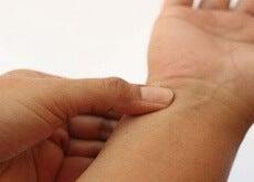 dolore mani e polsi