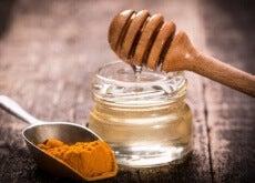 miele-e-curcuma pulizia dei polmoni
