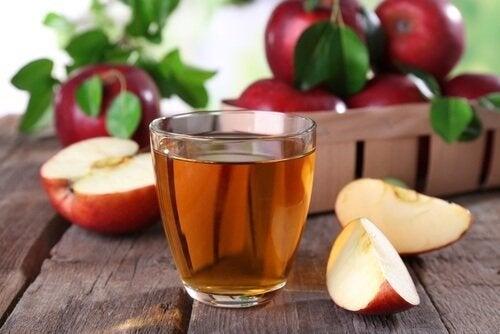 Succo e aceto di mele