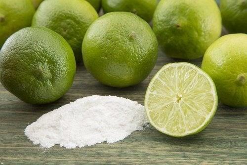 Limone e bicarbonato di sodio per eliminare la ruggine