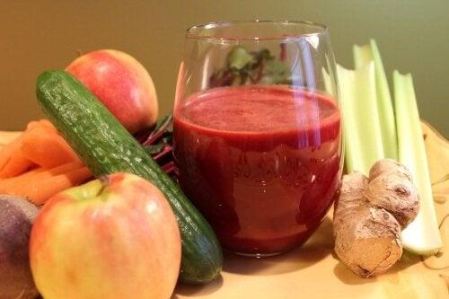 Succo mela e barbabietola funzionalità epatica