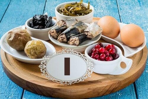 alimenti vari contro ipotiroidismo
