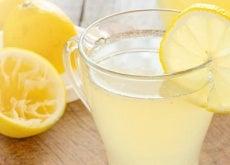bicchiere con limonata