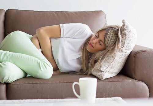 donna-dolori-stomaco tumore endometriale